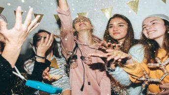 Dịch vụ tổ chức tiệc tất niên cuối năm Year End Party cho công ty